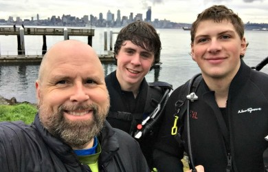Chase & Riley try scuba diving along with PADI Instructor Richard Anderson