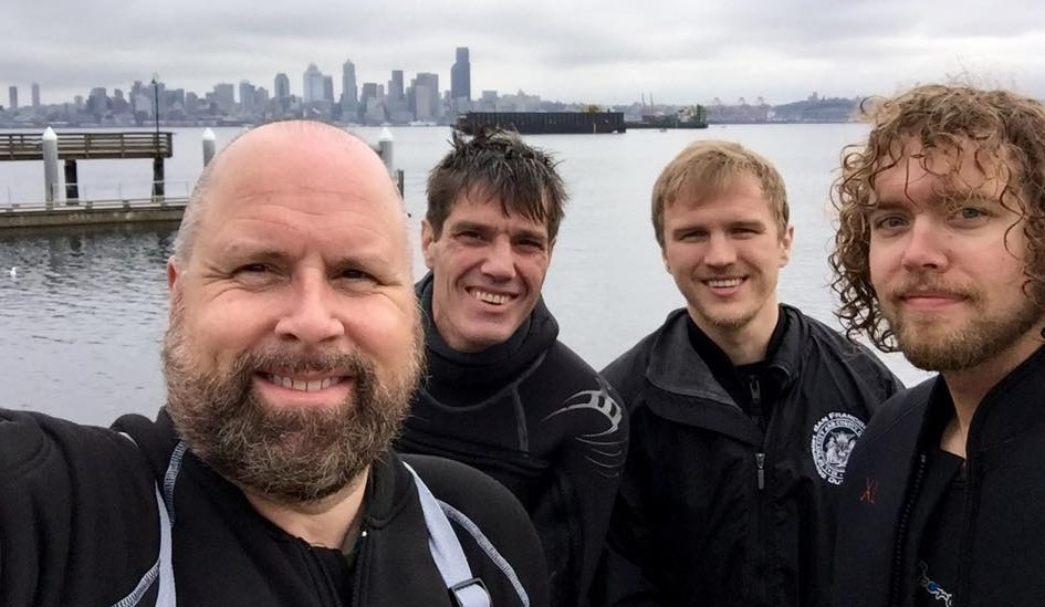 Divers at Alki Seacrest Cove 2